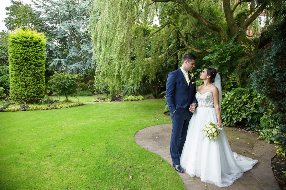 Barton grange hotel local wedding photographer wedding for Local wedding photographers